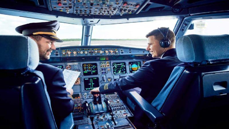 где учат на пилота гражданской авиации в России